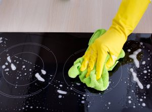 how to clean halogen hob